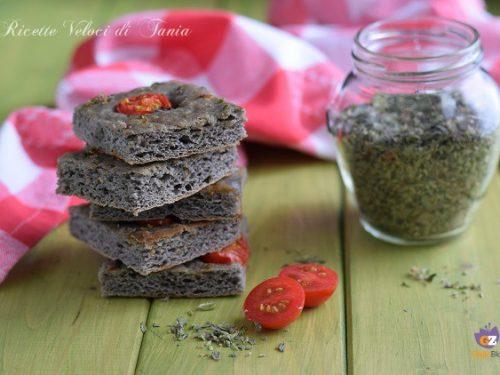 Focaccia soffice con farina di grano arso