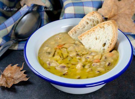 Zuppa di cicerchie povera con pane casereccio