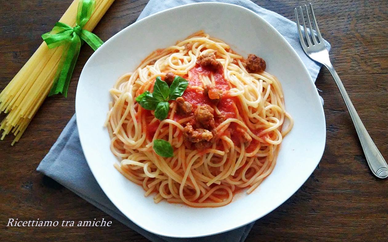 Spaghetti con salsiccia piccante