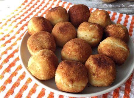 Crocchette di patate con cuore filante di mozzarella
