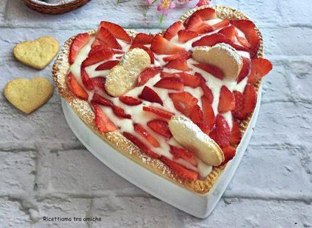 Crostata con fragole e crema al latte