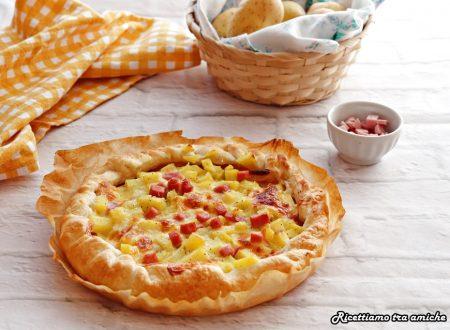 Torta salata con patate prosciutto e scamorza