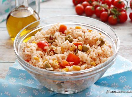 Insalata di riso con tonno mais e olive