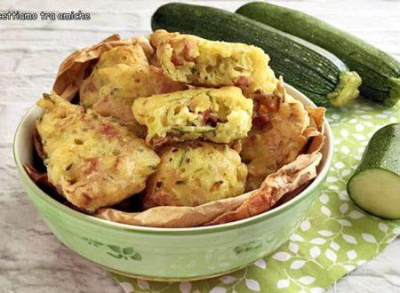 Frittelle con zucchine e prosciutto cotto