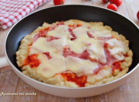 Pizza furba in padella con prosciutto