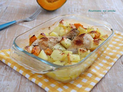 Cosce di pollo al forno con patate e zucca