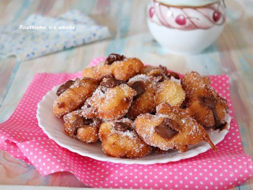 Frittelle soffici ripiene di nutella
