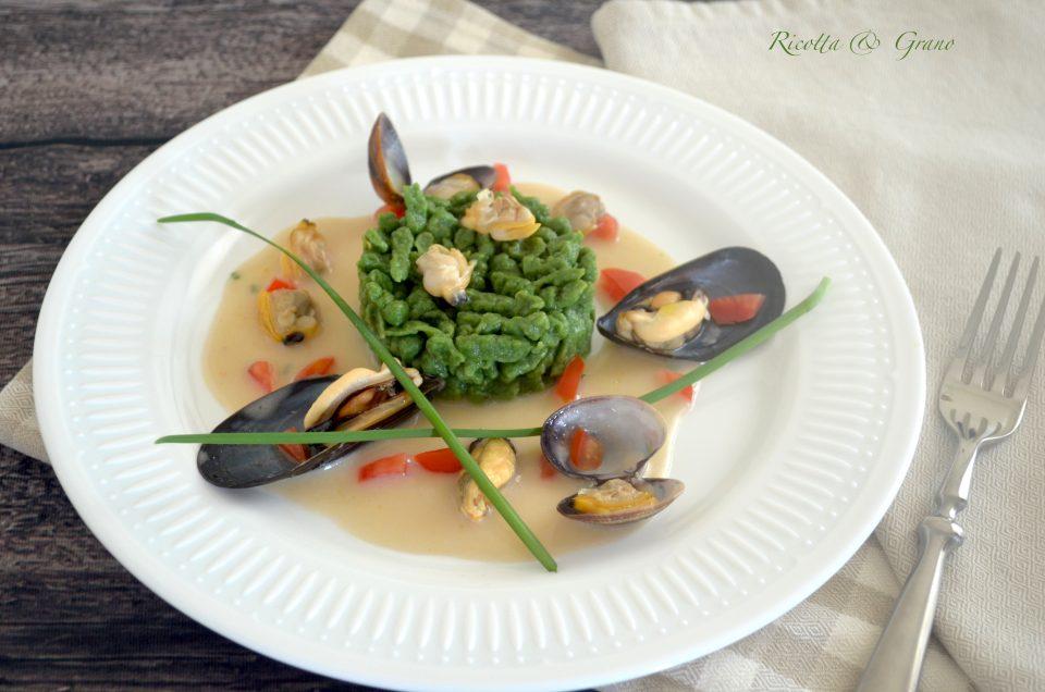 spätzle con vellutata di fagioli e molluschi