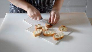 crema di fagioli con vongole e gamberi