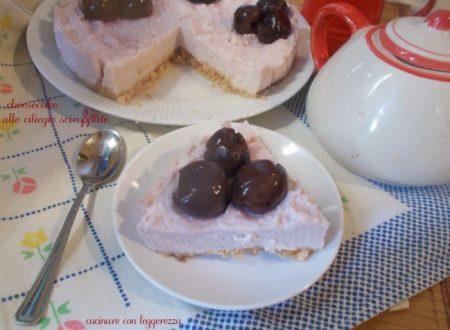 Cheesecake alle ciliegie sciroppate