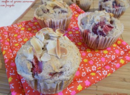 Muffin al grano saraceno con fragole