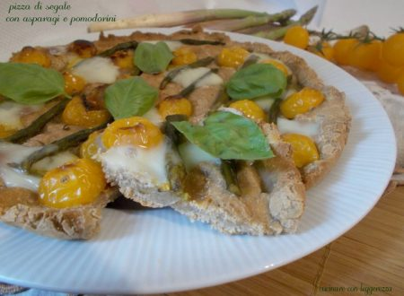 Pizza di segale con asparagi e pomodorini – lievito madre