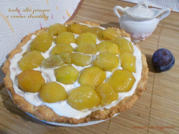 Torta alle prugne e crema chantilly