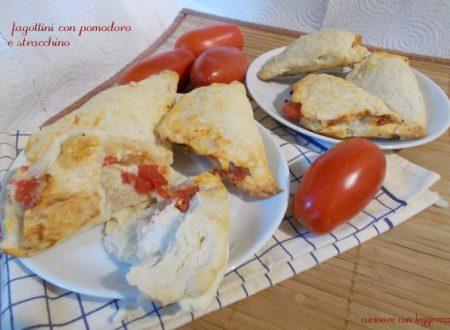 Fagottini con pomodoro e stracchino