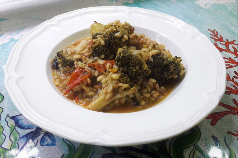 Mix di cereali con verdure miste