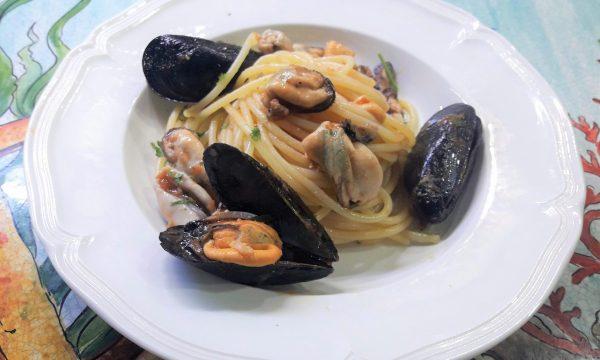 Spaghettata e impepata di cozze Messinese