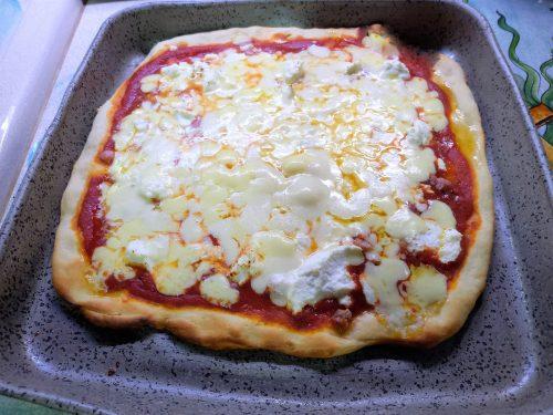 Pizza  famiglia in teglia all'Amatriciana