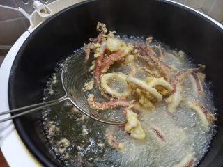 Come fare la frittura dei calamari  alla Messinese