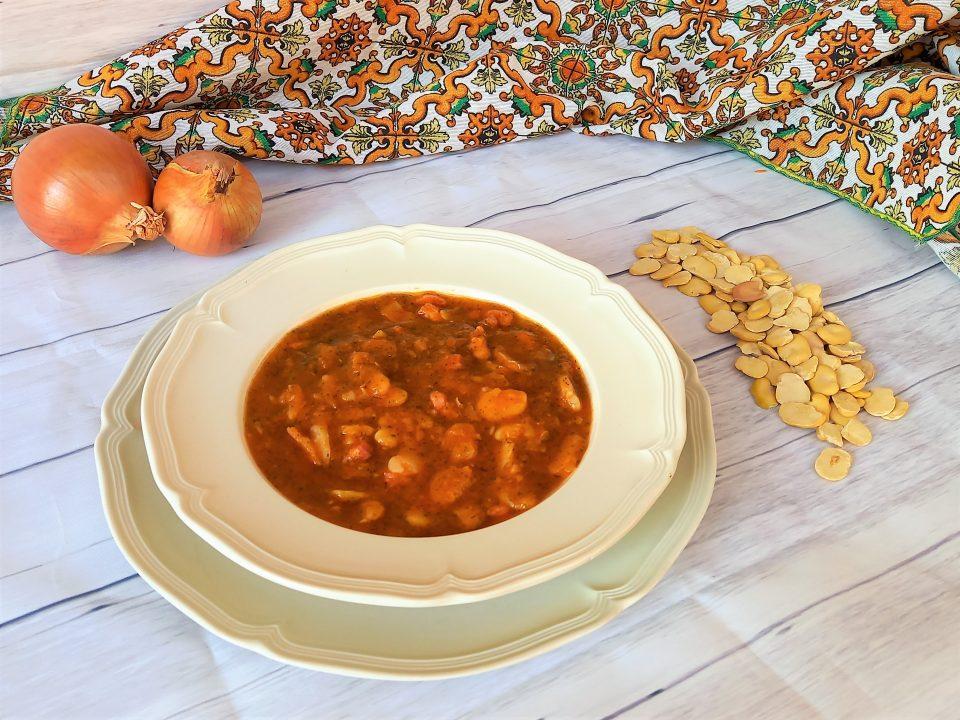 Zuppa invernale di fave e pancetta