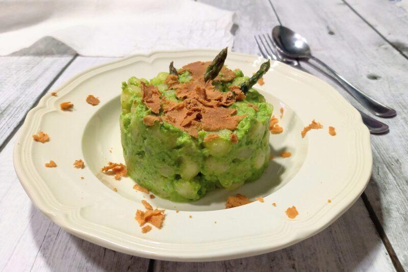 Gnocchetti con crema di asparagi e bottarga