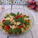 Insalata di pollo con zucchine marinate