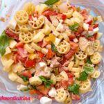 L'insalata di pasta con tonno e uova