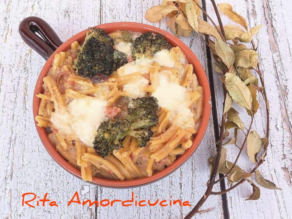 Pasta n'caciata con salsiccia e broccoli
