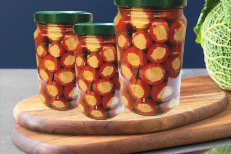 Peperoncini piccanti o pappacelle ripieni