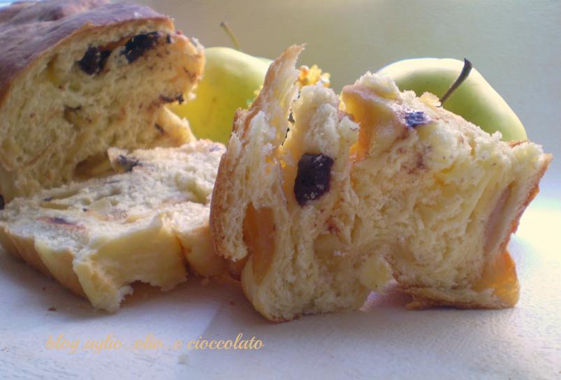 pan dolce alle mele con cioccolato fondente