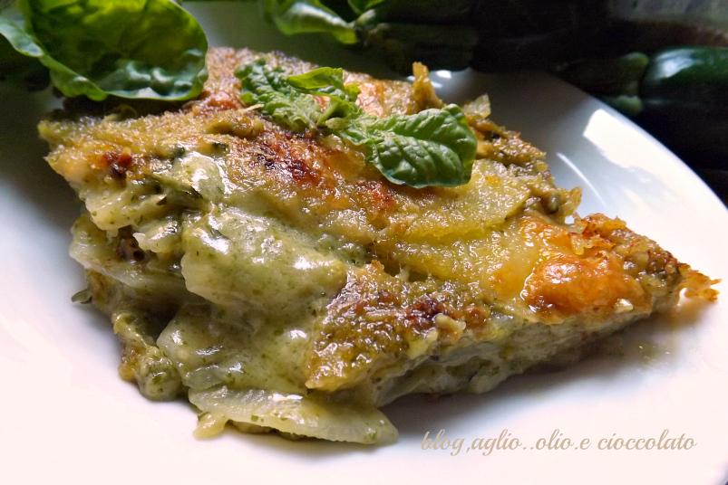 lasagna di patate cremosa con zucchine e pesto