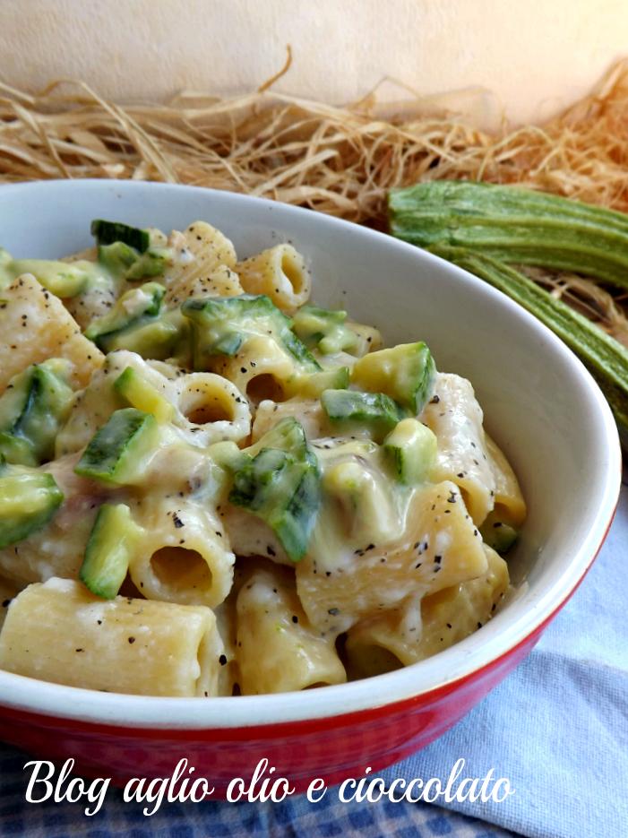 Cacio e pepe con le zucchine ricetta tipica romana for Pasta tipica romana