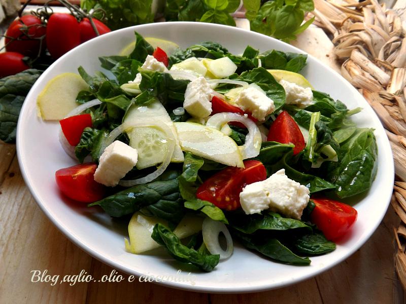 Insalata di Spinaci con Mela e Mozzarella