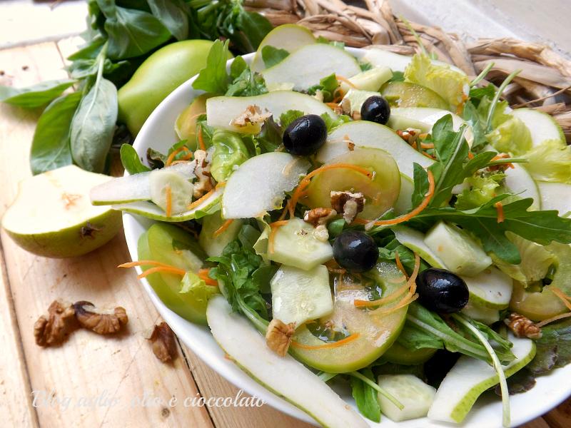 nsalata con Pere e Pomodori Verdi