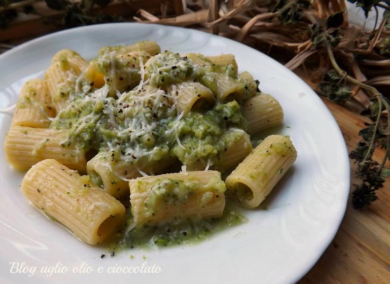 Pasta cacio e Pepe con i broccoli