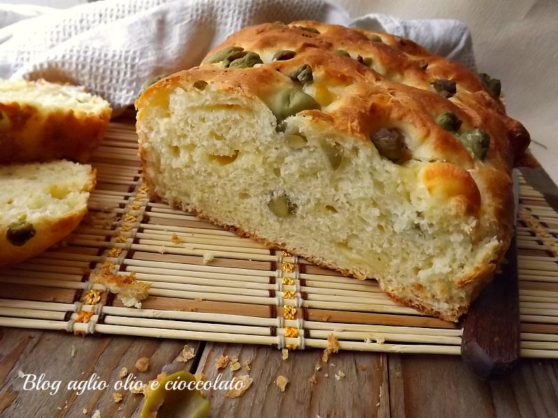 torta al formaggio con le olive