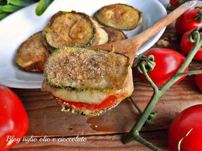 zucchine pomodoro e mozzarella gratinate