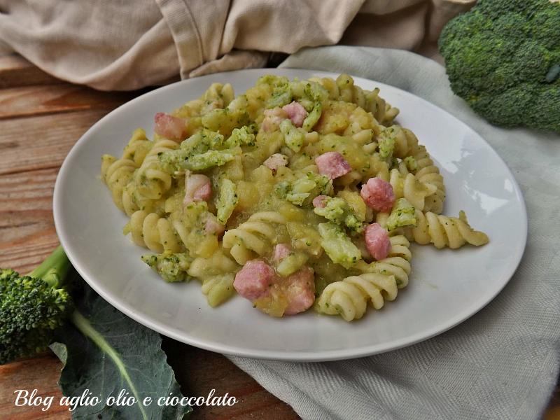 pasta con patate e broccoli