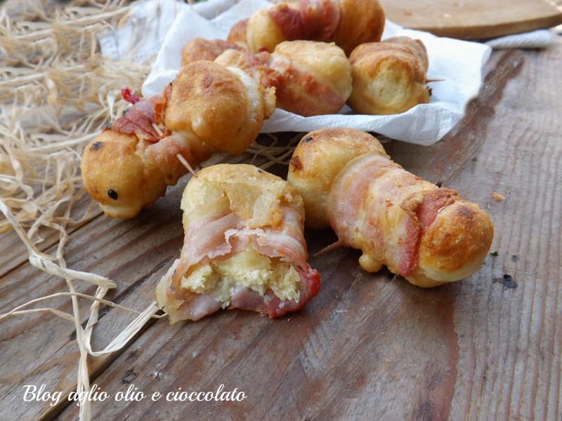 nodini di focaccia pancetta e mozzarella