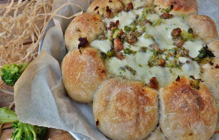 TORTA DI PIZZA BROCCOLETTI E SALSICCIA