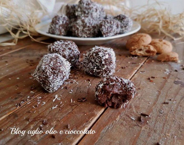 Tartufi al Cioccolato con Biscotti