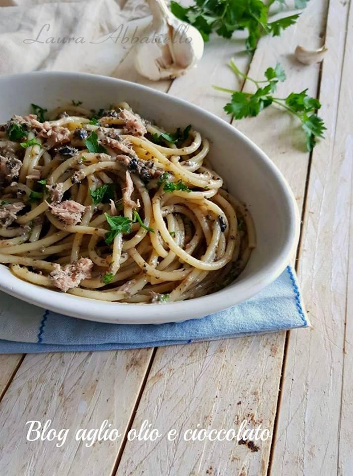 spaghetti con crema di olive