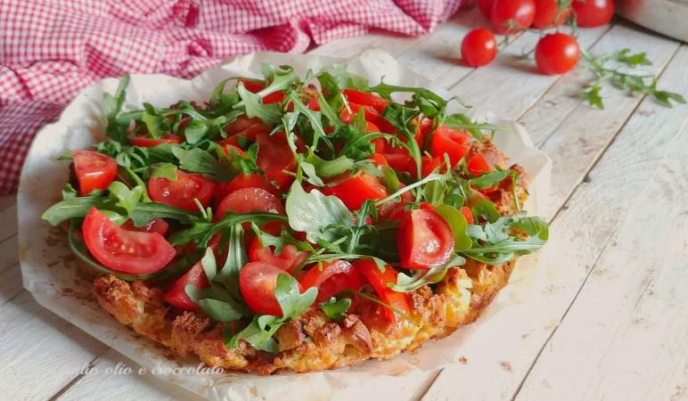 orta di pane con pomodori e rughetta