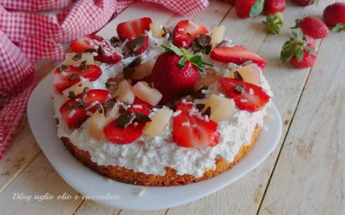 torta fredda con fragole e ricotta