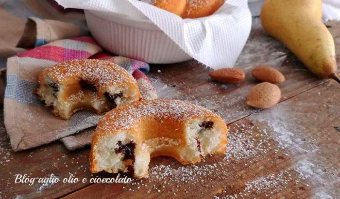 Ciambelle con Pere Mandorle e Cioccolato