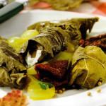 foglie vite ripiene mousse dragoncello insalata uva