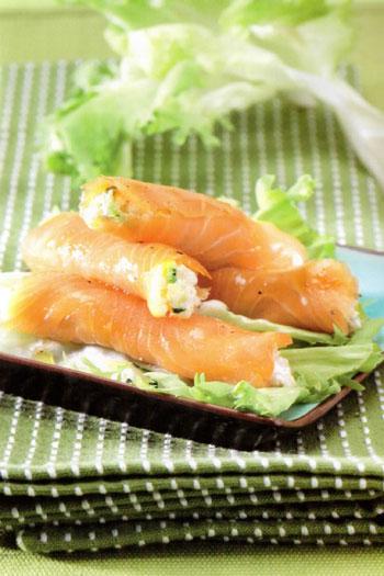 Involtini d'orzo, salmone e zucchine