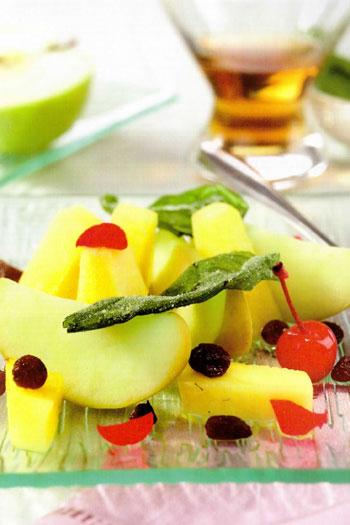 Mele verdi al basilico con ananas e uvetta al Rum
