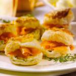 sfogliatine salmone formaggio erbe