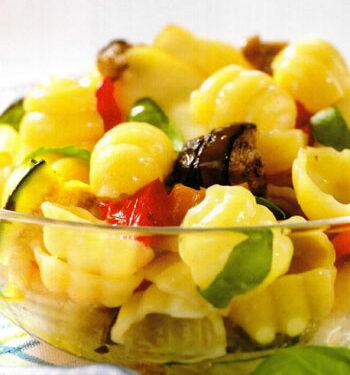 Conchiglie fredde con verdure grigliate e scamorza affumicata