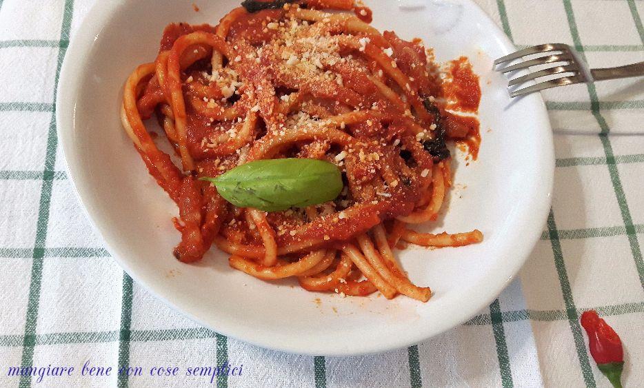 Ricetta Amatriciana Con Cipolla.Bucatini All Amatriciana Senza Cipolla Mangiare Bene Con Cose Semplici